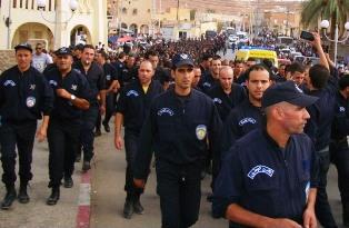 عاجل .. انقلاب عدد كبير من قوات الجيش و الأمن الجزائري على النظام و إعلان فاتح نونبر يوم ثورة