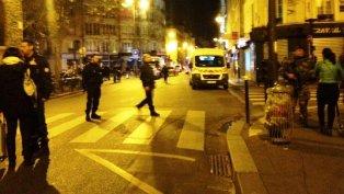 عاجل : هجمات في عدة مناطق من باريس وأنباء عن سقوط عدة قتلى
